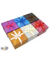 Подарочная коробка: цветная /ассорти/, с мелким рисунком-горох, с атласной ленточкой, 5,8*9*9 см.